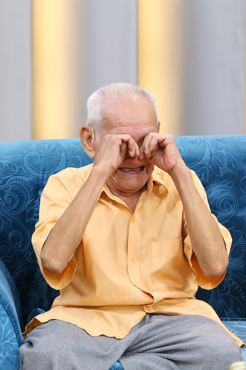 Cụ ông 96 tuổi chia sẻ về chuyện tình cổ tích giữa đời thường  - ảnh 3