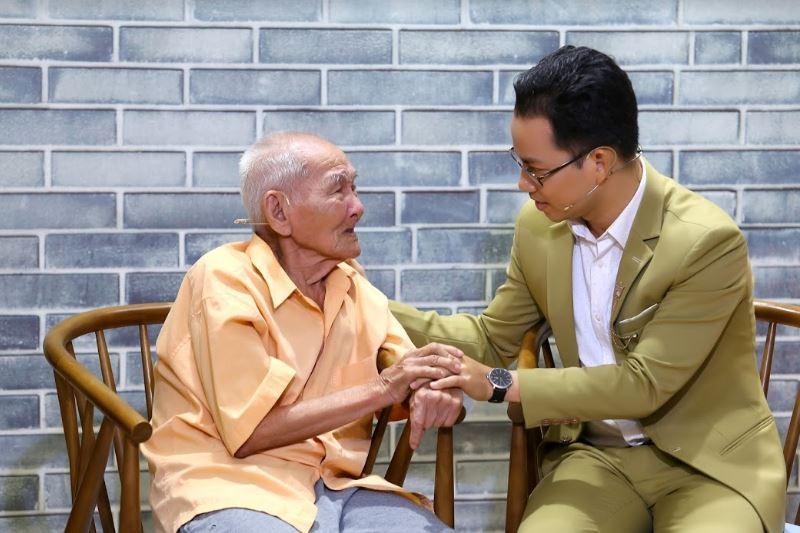 Cụ ông 96 tuổi chia sẻ về chuyện tình cổ tích giữa đời thường  - ảnh 4