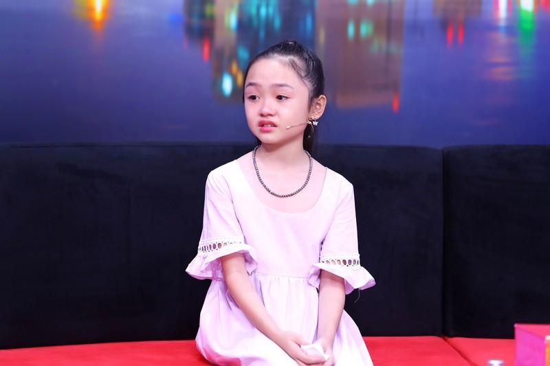 Cô bé 10 tuổi buồn vì mẹ quá nghiêm khắc, hay la mắng  - ảnh 1