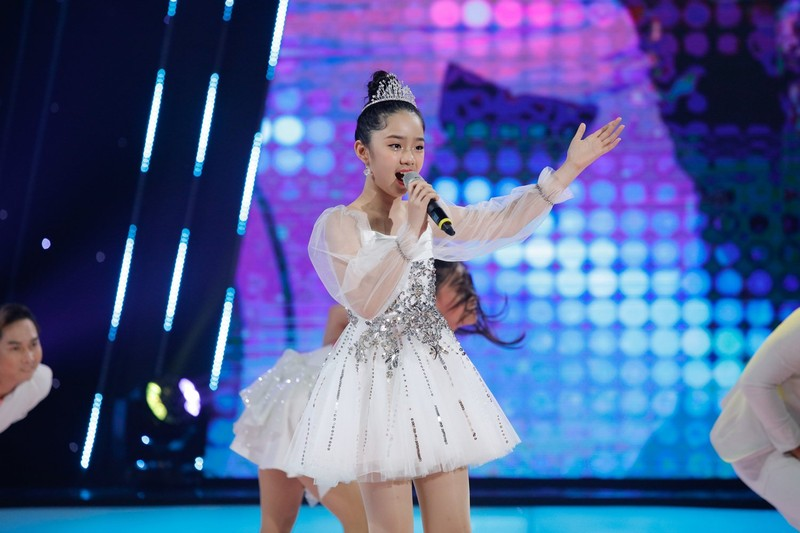 Nguyễn Phi Hùng hóa thiên nga múa ballet - ảnh 4