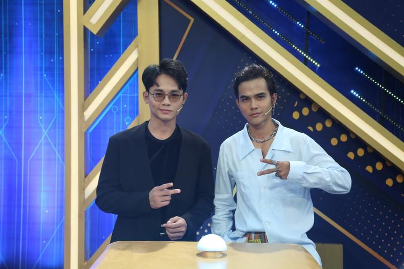 Nguyễn Anh Tú khoe nhan sắc cạnh tranh với Cao Xuân Tài - ảnh 3