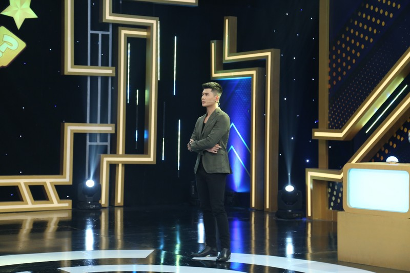 Nguyễn Anh Tú khoe nhan sắc cạnh tranh với Cao Xuân Tài - ảnh 5