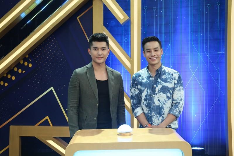 Nguyễn Anh Tú khoe nhan sắc cạnh tranh với Cao Xuân Tài - ảnh 2