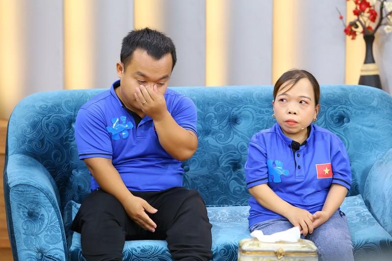 Ốc Thanh Vân nghẹn ngào vì cô gái khuyết tật nuôi con một mình - ảnh 2