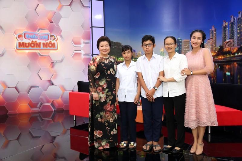 Ốc Thanh Vân xót xa vì hai bé 14 tuổi không có giấy khai sinh - ảnh 5