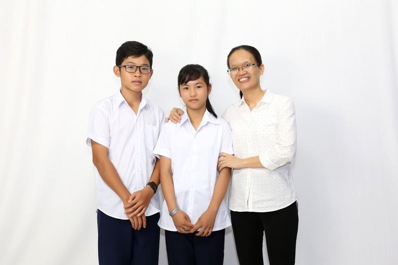 Ốc Thanh Vân xót xa vì hai bé 14 tuổi không có giấy khai sinh - ảnh 1