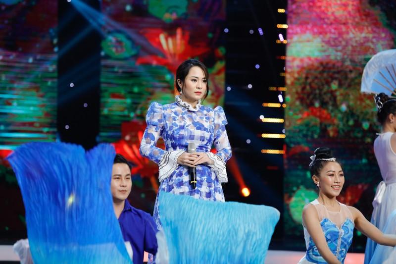 Dương Kim Ánh gây ấn tượng khi hóa thân vũ nữ gợi cảm - ảnh 2