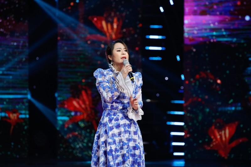 Dương Kim Ánh gây ấn tượng khi hóa thân vũ nữ gợi cảm - ảnh 1
