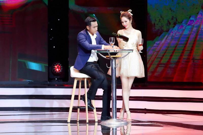 Dương Kim Ánh gây ấn tượng khi hóa thân vũ nữ gợi cảm - ảnh 3