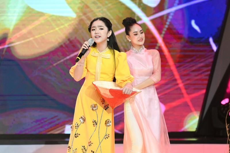 Võ Hạ Trâm bất ngờ với cô bé Hà Mi táo bạo hát dân ca quan họ - ảnh 8