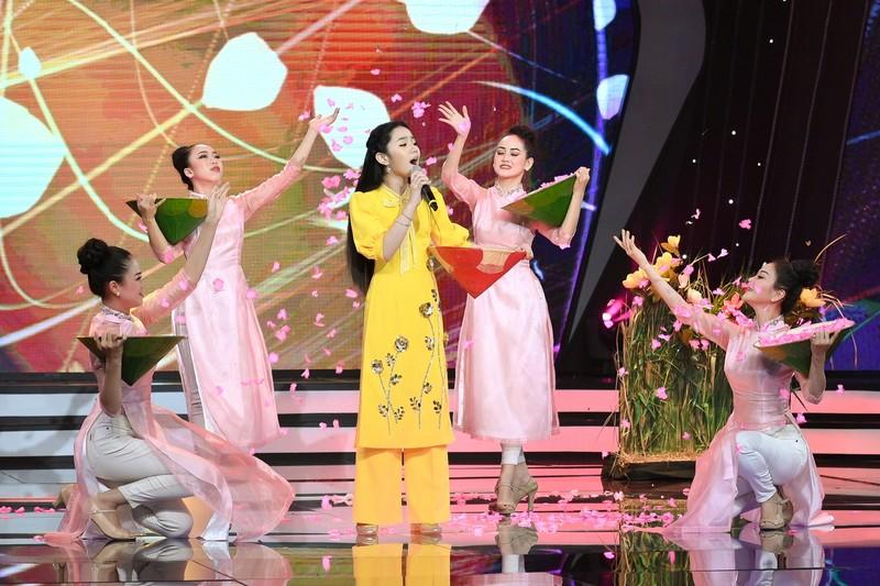Võ Hạ Trâm bất ngờ với cô bé Hà Mi táo bạo hát dân ca quan họ - ảnh 7