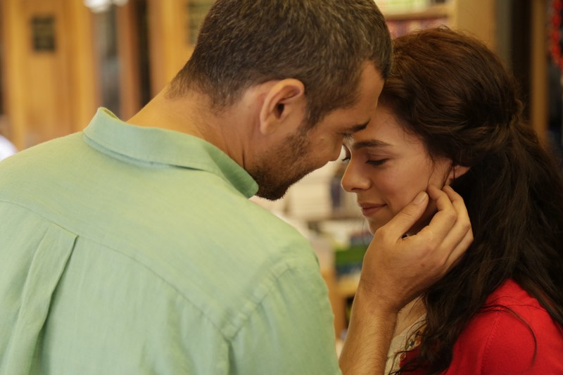 Khán giả ghen tị với tình yêu mà Sarp dành cho Bahar - ảnh 1