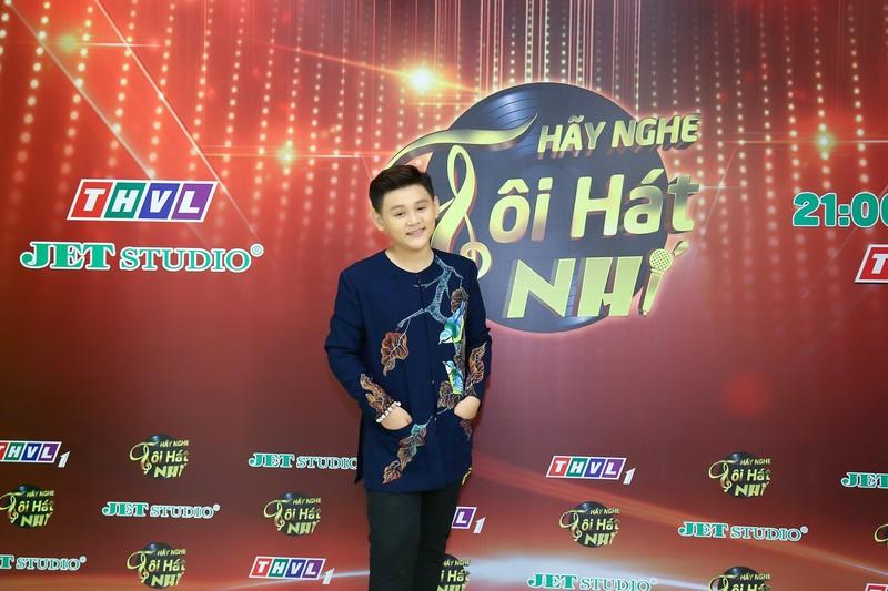 Cậu bé 14 tuổi sở hữu giọng hát 'đốn tim' Võ Hạ Trâm - ảnh 6