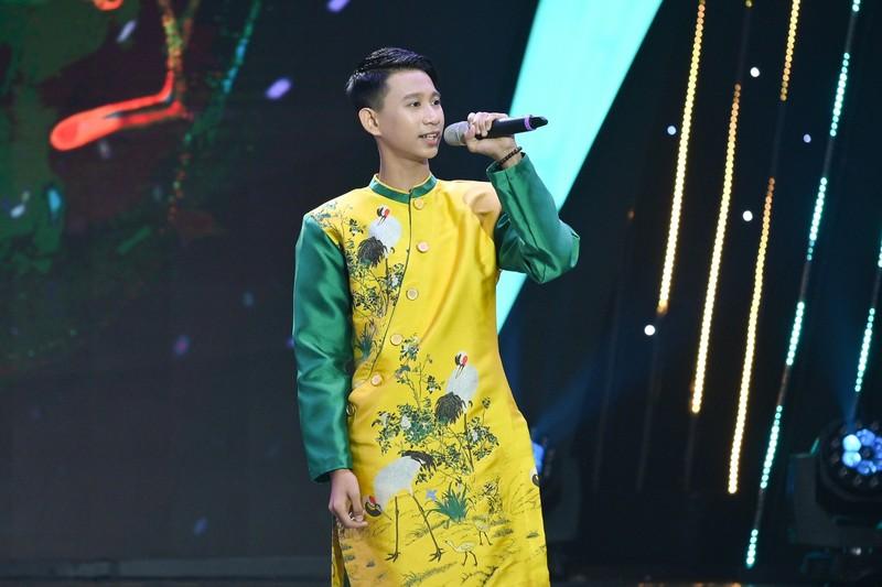 Cậu bé 14 tuổi sở hữu giọng hát 'đốn tim' Võ Hạ Trâm - ảnh 2