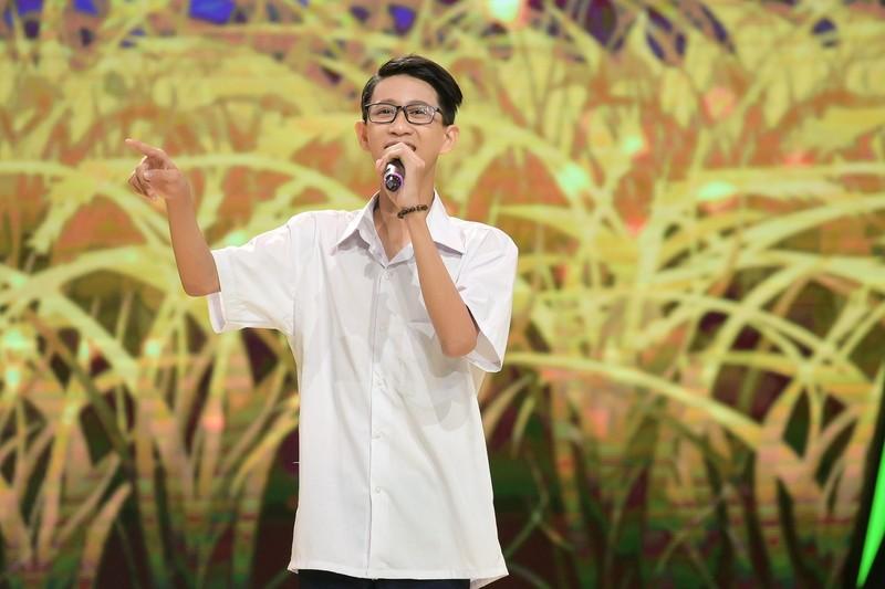 Cậu bé 14 tuổi sở hữu giọng hát 'đốn tim' Võ Hạ Trâm - ảnh 4