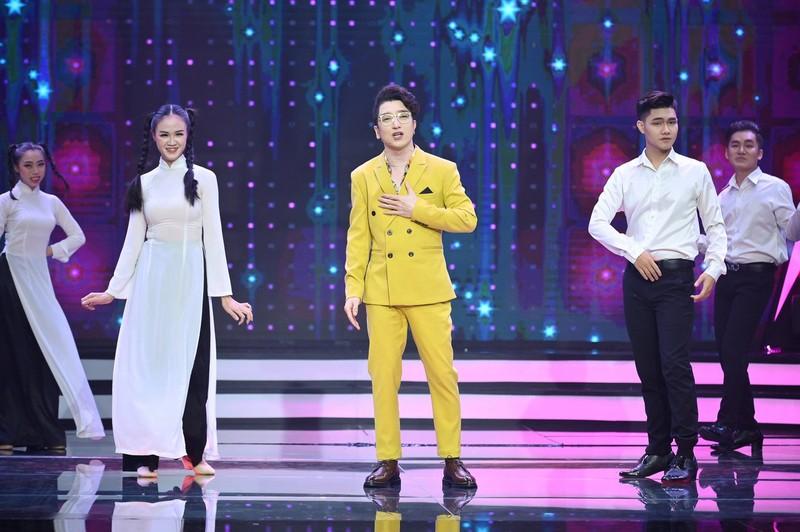 Bé Quỳnh Anh khiến Võ Hạ Trâm cười 'lộn ruột' vì tài diễn hài  - ảnh 6