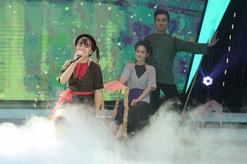 Bé Hà Mi: Diễn viên nhí đa tài, yêu ca hát và còn học rất giỏi - ảnh 1