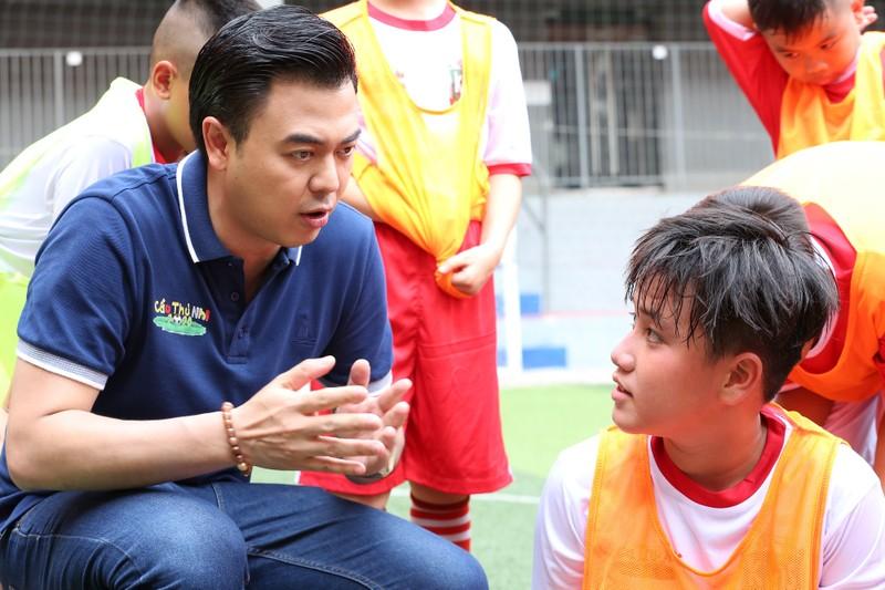MC Tuấn Tú tiếc nuối vì không trở thành cầu thủ chuyên nghiệp - ảnh 4