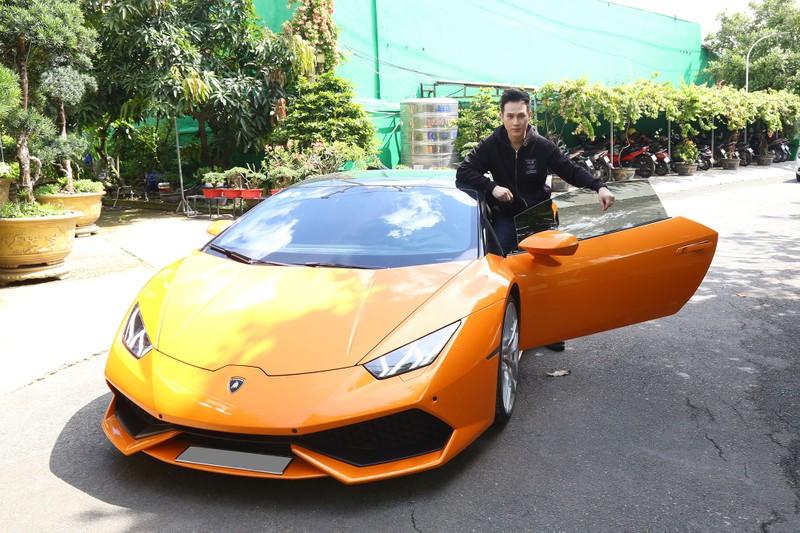 Nguyên Vũ mang Lamborghini lên sân khấu Đấu trường ngôi sao - ảnh 1