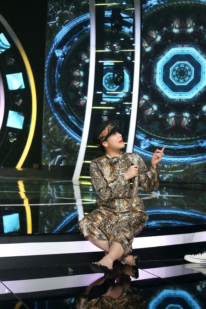 Nhật Kim Anh đứt dây chằng vẫn nén cơn đau lên sân khấu - ảnh 3