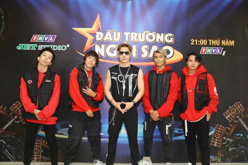 Nguyên Vũ tài trợ siêu xe giúp Chu Bin 'đốt cháy' sân khấu - ảnh 1