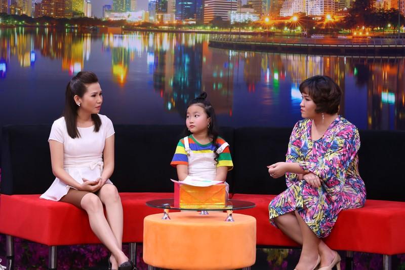 Cô bé 8 tuổi làm 'sứ giả hòa bình' cho ba mẹ qua những bức vẽ  - ảnh 3