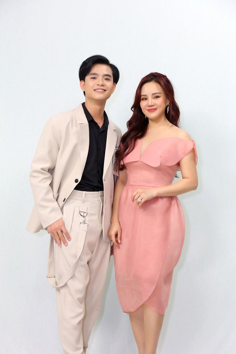 Nguyễn Phi Hùng, Vy Oanh và Việt Quang song ca với thí sinh - ảnh 2