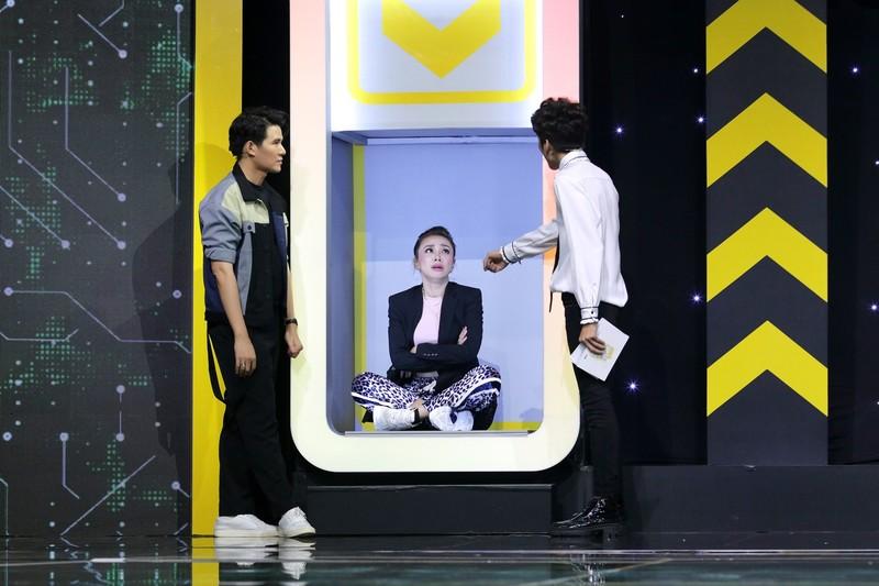 Dương Thanh Vàng bị dập tơi tả khi đụng độ 4 MC chuyên nghiệp - ảnh 2