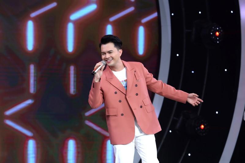 Nguyễn Phi Hùng xúc động khi hát lại 'Nhớ gấp ngàn lần hơn' - ảnh 3