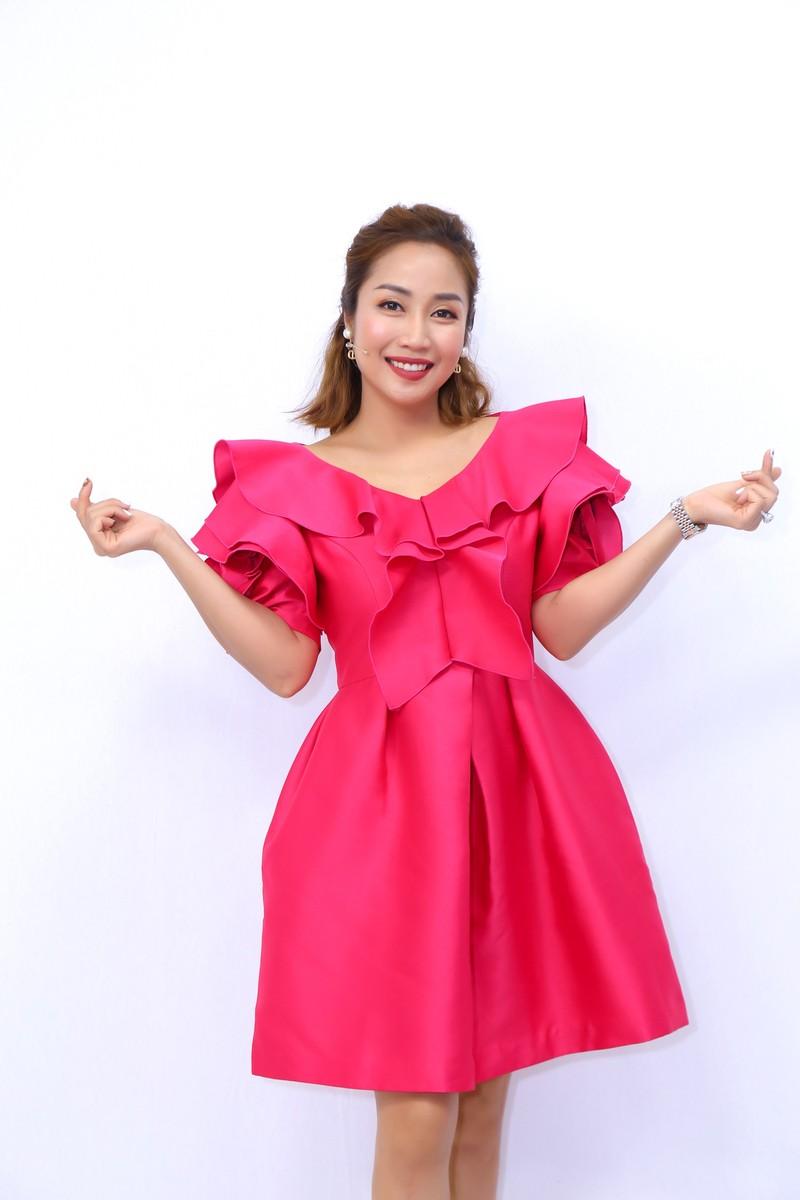 Lấy chồng hơn 13 tuổi, nữ ca sĩ gốc Việt bị 'sốc văn hóa' - ảnh 3