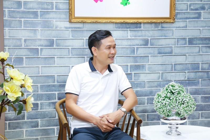 Ca sĩ Tánh Linh khóc chia sẻ chồng có đam mê xa xỉ - ảnh 2