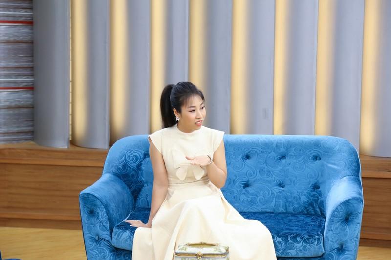 Ca sĩ Tánh Linh khóc chia sẻ chồng có đam mê xa xỉ - ảnh 1