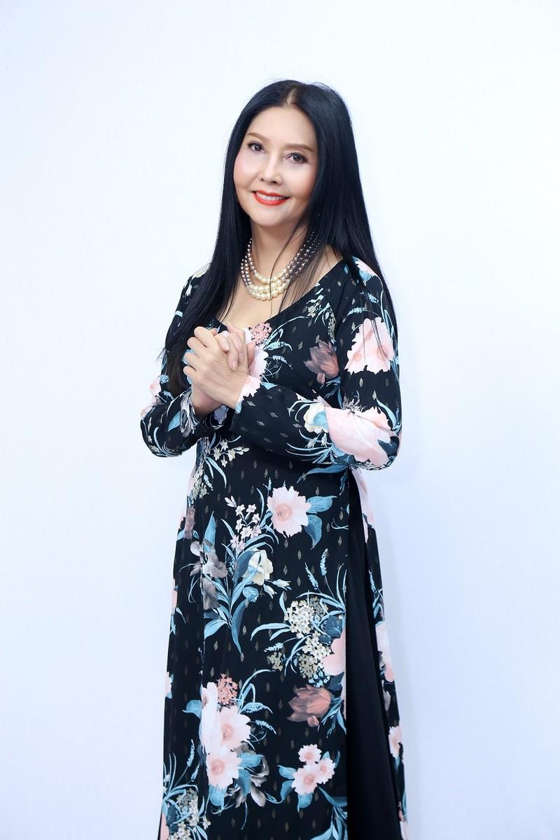 Họa Mi tiết lộ màn song ca hi hữu nhất cuộc đời với Elvis Phương - ảnh 1