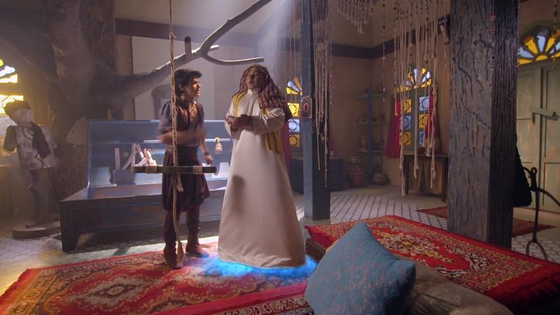 Aladdin dùng kỹ năng 'siêu trộm' để cứu công chúa Yasmine khỏi ngục tối - ảnh 4