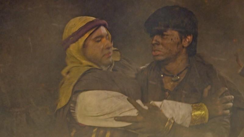 Nhờ cứu thành Baghdad, Aladdin được nhận vào cung điện để giải oan cho cha - ảnh 3