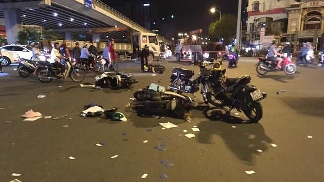 Phó chủ tịch ủy ban ATGT nói gì sau vụ tai nạn ở Hàng Xanh? - ảnh 1