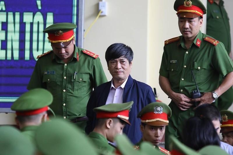 Bắt đầu xét xử cựu tướng Phan Văn Vĩnh, an ninh được thắt chặt - ảnh 2