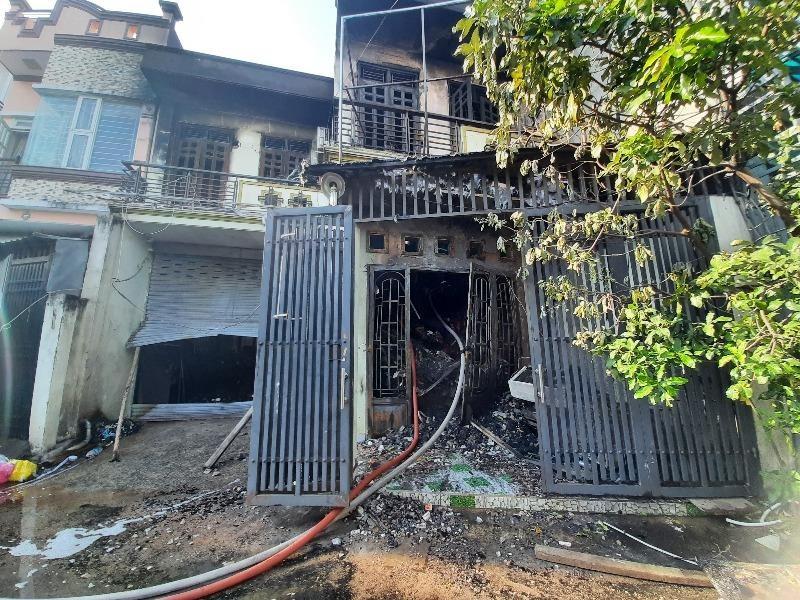 Cháy lớn ở Bình Tân, 6 tấn vải vụn thành tro tàn - ảnh 3