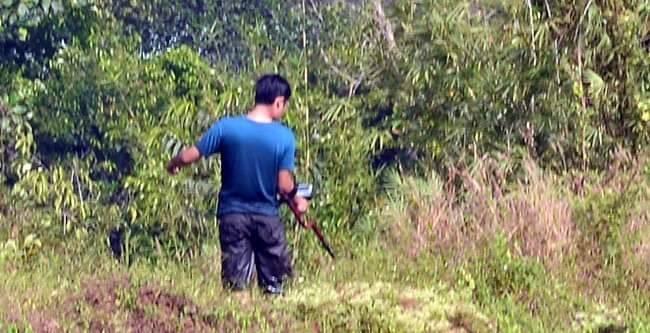 Cảnh sát dò tìm tang vật quanh khu vực tiêu diệt Tuấn 'khỉ' - ảnh 3