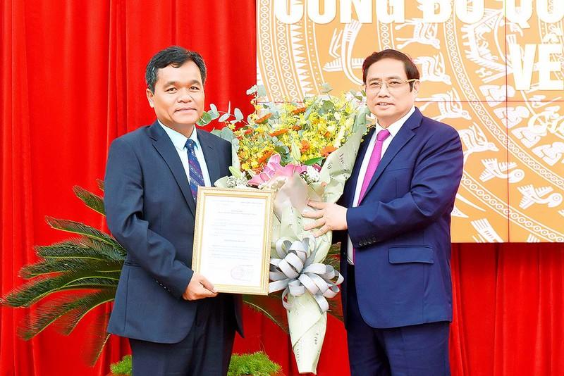 Bộ Chính trị chuẩn y tân Bí thư Tỉnh ủy tỉnh Gia Lai - ảnh 1