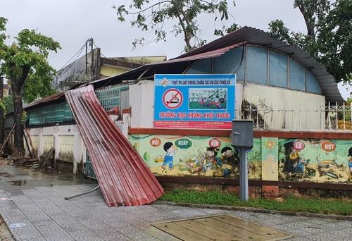 Bão số 9 tiếp tục quần thảo ở TP Đà Nẵng,Thừa Thiên- Huế  - ảnh 9