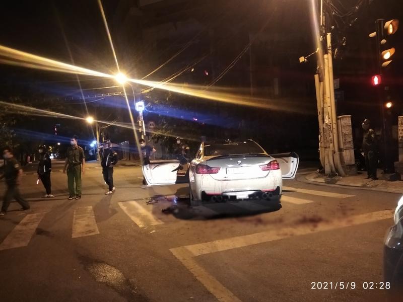 Hai nhóm đánh nhau giữa khuya, 2 người bị thương nặng - ảnh 2