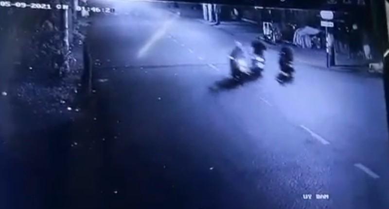 Hai nhóm đánh nhau giữa khuya, 2 người bị thương nặng - ảnh 1