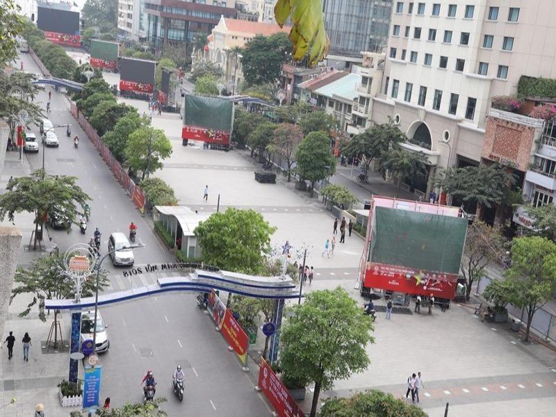 Đề xuất làm phố đi bộ trước chợ Bến Thành - ảnh 1
