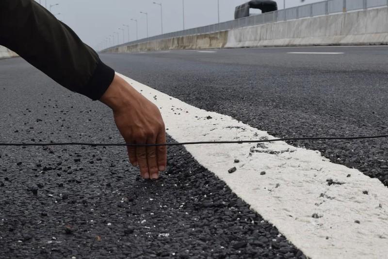 Cầu trên cao tốc 34.500 tỉ bị sụt lún, rình rập nguy hiểm - ảnh 4