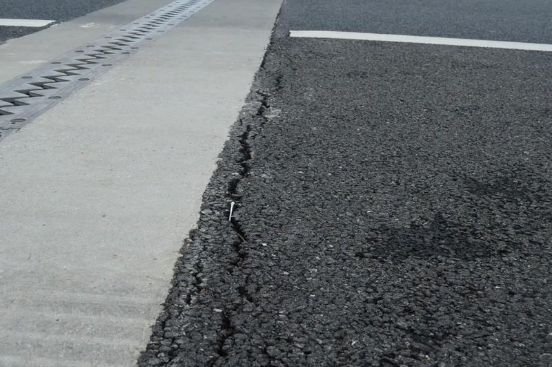 Cầu trên cao tốc 34.500 tỉ bị sụt lún, rình rập nguy hiểm - ảnh 2