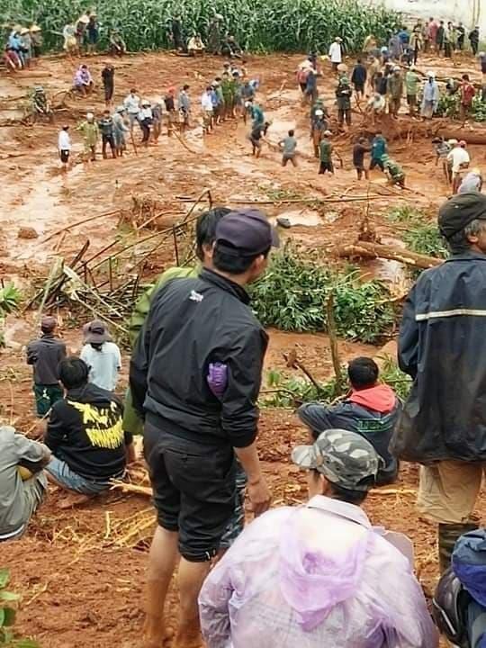 Đắk Nông: Mưa lớn, đồi lở nuốt chửng cả nhà ba người - ảnh 2