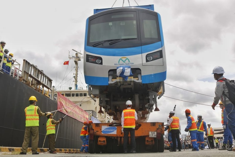 Chùm ảnh: Tàu metro số 1 chính thức lộ diện ở cảng Khánh Hội - ảnh 4
