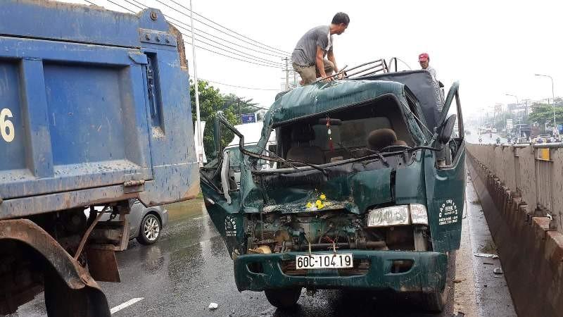 5 xe tải đâm liên hoàn trên quốc lộ, 1 người bị thương - ảnh 2