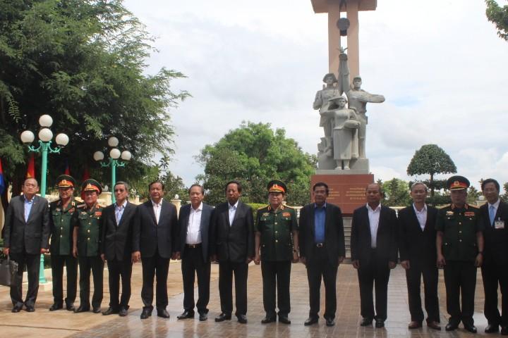 Thủ tướng Hun Sen thăm Khu di tích lịch sử Đoàn 125 - ảnh 2
